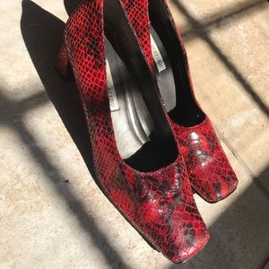 Ann Marino snake shoes with purse wallet